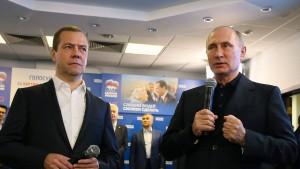 Kreml-Partei erreicht laut Nachwahlbefragung Mehrheit in Duma