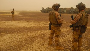 Macron droht nach Putsch in Mali mit Abzug französischer Truppen