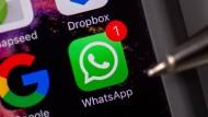 Der Messengerservice WhatsApp ist in der Nacht vom Mittwoch zum Donnerstag für mehrere Stunden ausgefallen.