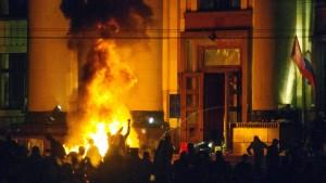 Ukrainische Spezialeinheiten räumen besetzte Gebäude
