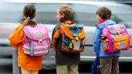 In zahlreicher Gesellschaft: Schüler in Frankfurt können sich ihre Schule nicht immer frei aussuchen.