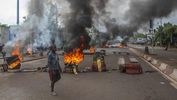 Massenproteste gegen Präsident Keita in Mali