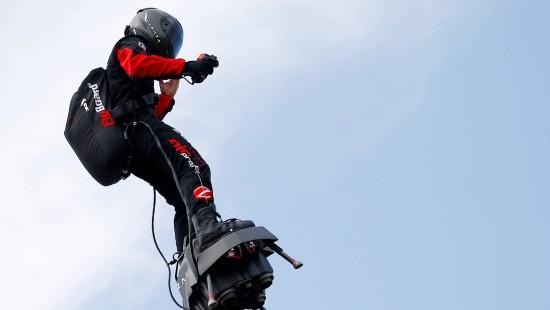 """""""Flyboard""""-Pilot will über den Ärmelkanal"""