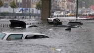 Heftige Regenfälle fluten Istanbul