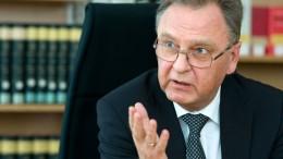 """Früherer Verfassungsrichter warnt vor """"Erosion der Rechtsstaatlichkeit"""""""