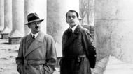 Adolf Hitler und der deutsche Architekt Albert Speer (rechts)