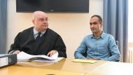 Das Gericht in Sigmaringen hat entschieden, dass Haschmatullah F. (rechts) für mindestens drei Jahre in Deutschland bleiben darf.