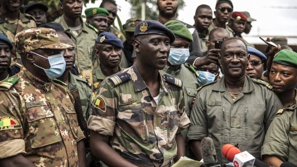 Malis Junta ringt um Stabilität