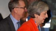 Theresa May bei der Erklärung der Ergebnisse in ihrem Wahlkreis in Maidenhead.