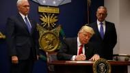 Trump setzt Flüchtlingsprogramm aus