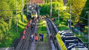 14 Jahre altes Mädchen stirbt bei Bahnunfall