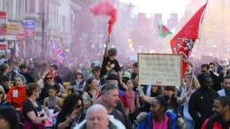Tausende bei unerlaubten Corona-Demos in London und der Schweiz