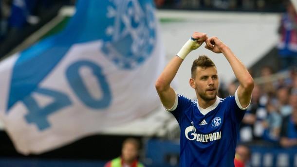 Schalke dreht spät auf