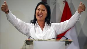 Fujimori gewinnt ersten Wahlgang