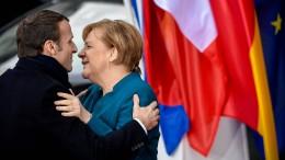 """Merkel: """"Herausforderungen Hand in Hand angehen"""""""