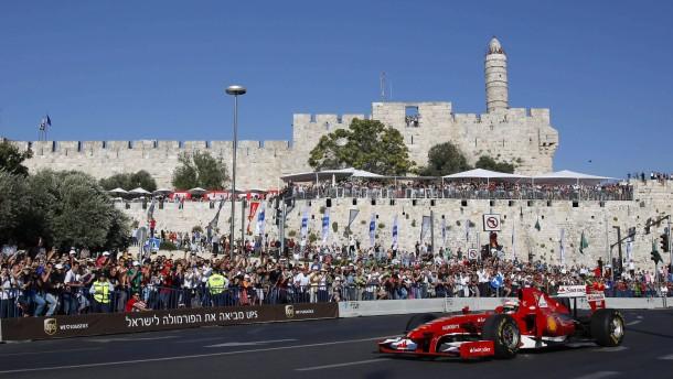 Rennfahrer auf Friedensmission