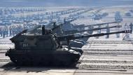 Ein Manöver russischer Einheiten in Ostsibirien