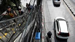 Bangkok will die Knoten entwirren