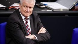 Seehofer fehlt jegliches Verständnis für Merkel