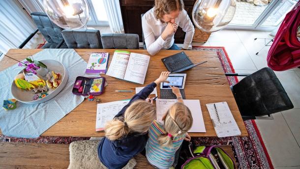 Wie gelingen Homeschooling und Arbeit?