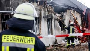 Gäste in FKK-Club stören Löscheinsatz der Feuerwehr