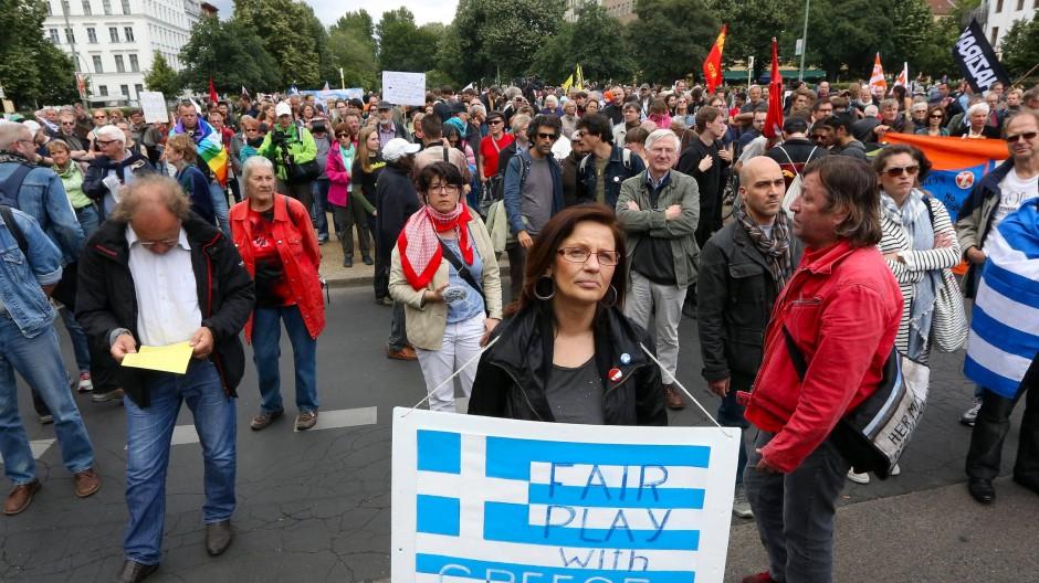 Friedlich: Blockupy-Kundgebung für Griechenland am 20. Juni in Berlin