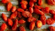 Superfood Gojibeere: Die Frucht des Gemeinen Bocksdorns gilt gemeinhin als sehr gesund, ihre Wirkung ist aber nicht bewiesen.