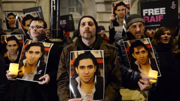 Saudi-Arabien setzt Prügelstrafe gegen Badawi abermals aus