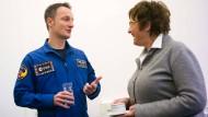Neue: Astronaut Matthias Maurer und Wirtschaftsministerin Brigitte Zypries