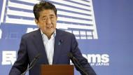 Shinzo Abe nach der Bekanntgabe der Wahlergebnisse am Montag in Tokio.
