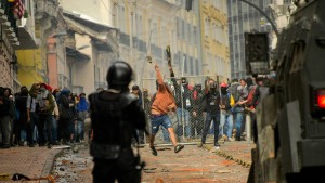 Ausnahmezustand nach Protesten gegen höhere Spritpreise