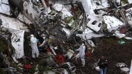 Der Absturz eines Charterflugzeugs in Kolumbien löscht fast eine ganze Mannschaft aus.