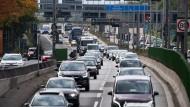 Immer viel los: die Berliner Stadtautobahn