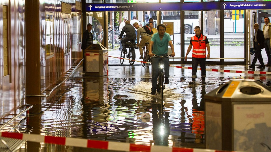 Frankfurt Südbahnhof überflutet