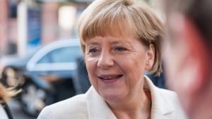 Merkel lehnt Änderungen am Asylrecht ab