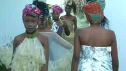 Die Kondom-Kleider aus Kinshasa