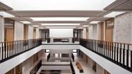 Verschlusssache: Wenn Schüler des Riedberg-Gymnasiums aufs Klo wollen, müssen sie sich nun im Sekretariat den Schlüssel ausborgen