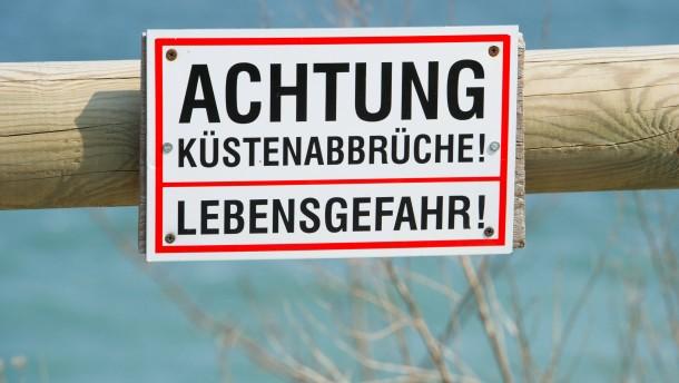 Mädchen nach Kreideabbruch auf Rügen vermisst