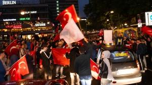 Özdemir: Deutsche Erdogan-Wähler lehnen unsere Demokratie ab