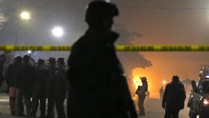 Mindestens ein Toter bei Anschlag auf Kulturzentrum