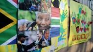 Der Gesundheitszustand des 94 Jahre alten Nelson Mandela hat sich stark verschlechtert. Das teilte die südafrikanische Regierung mit.