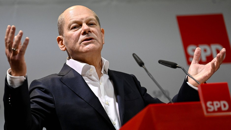 Bundesfinanzminister Olaf Scholz (SPD) sieht ausreichend Spielraum, um Betroffenen der Corona-Krise auch bei einer länger andauernden Pandemie finanziell zu helfen.