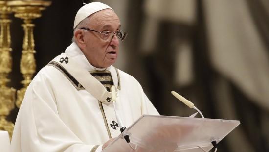 Papst kritisiert menschliche Gier und Konsum