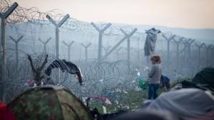 "Österreichs Innenministerin: ""Balkanroute bleibt geschlossen"""