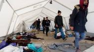 CDU-Politiker stellen Mindestlohn für Flüchtlinge infrage