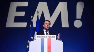 Macron will Le Pen mit Reformprogramm schlagen