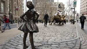 New Yorker Bullenstatue wieder allein