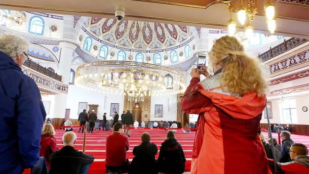 Widmann-Mauz für Expertenkommission gegen Muslimfeindlichkeit
