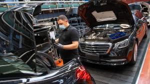 Daimler verdient operativ deutlich mehr als erwartet
