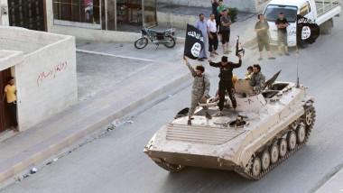 """Kämpfer der Terrororganisation """"Islamischer Staat"""" in Raqqa: Der """"Heilige Krieg"""" zieht immer mehr Jugendliche auch aus Westeuropa an."""